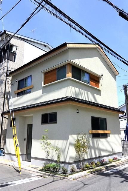 上京区「狭小敷地に光のある家」
